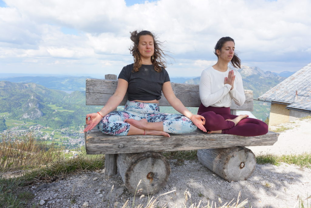 LIVIN YOGA gemeinsam meditieren